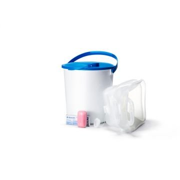 Pitná voda a sanitární pomůcky pro 3 děti