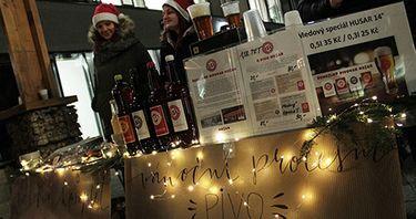 Vánoční charitativní trhy